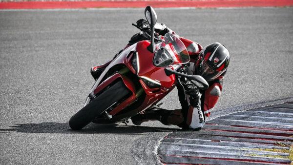 CocMotors – Ducati SuperSport 950 2021 beauty