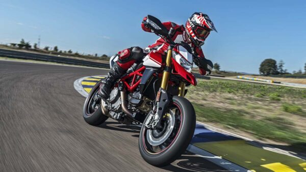 CocMotors–Hypermotard-950SP-featured-image