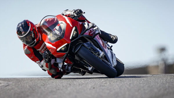 CocMotors – DucatiSuperleggera V4 2021 3
