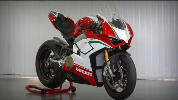 CocMotors-Panigale-Speciale-featured