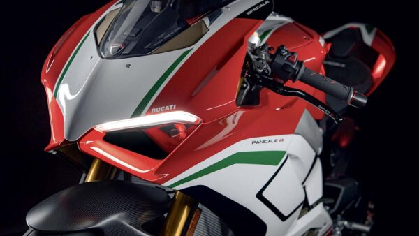 CocMotors-Panigale-Speciale-featured2