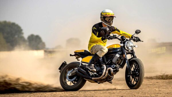CocMotors-Scrambler-Full-Throttle-outside