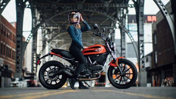 CocMotors-Scrambler-Sixty2-featured-0