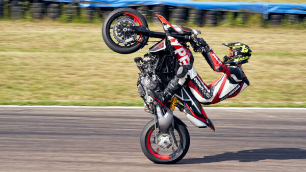 CocMotors – Ducati Hypermotard RVE 3