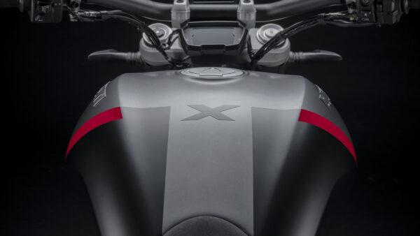 CocMotors – Ducati XDiavel Black Star 2021 tank
